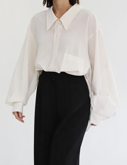 WIDE-COLLAR OVER BLOUSE (2COLOR)