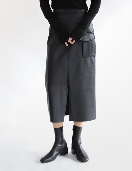 OUTPOCKET LEATHER SKIRT (2COLOR)