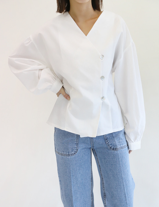 NACRE-BUTTON BLOUSE (2COLOR)